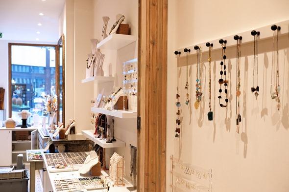 Store Zahia inside with jewelry